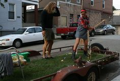 Bring the green space with you by decking out a trailer with sod, lawn chairs, and croquet! A creative Park(ing) Day installation from Pittsburgh, Pennsylvania. #Placemaking #LQC #ParkingDay #StreetsAsPlaces