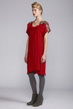 Akira -- 2012 Automne Hiver - spiral shibori sleeve dress