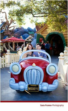 Engagement Photo | The Official Disney Weddings Blog