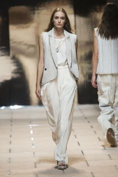 Trussardi 1911 at Milan Fashion Week Spring 2016 - Runway Photos