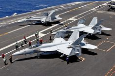 F-18 Hornets / 166605/AG-105 FA-18E VFA-143 'Pukin Dogs' CVW-7, NAS Oceana | par Stuart Freer - Touchdown Aviation