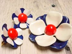 Vintage Red White and Blue Enamel Metal Flower Brooch and Earring Set (retro 50s 60s 70s lot 4th of july fourth bright colorful pin)