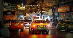 Терминалы для заказа Такси в Бангкоке  Авиабилеты Москва - Бангкок от 24000 руб.  Полезная информация: в аэропорту Бангкока Суварнабхуми на первом этаже около 4 и 7 выхода установили новые терминалы самообслуживания для заказа такси. Машина прибывает через 1-2 минуты после вызова есть возможность заказать большую машину для группы или перевозки габаритных грузов.  На платежной квитанции указывается не только номер машины но и фамилия водителя что повышает качество обслуживания и облегчает…