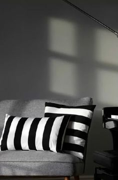 striped black and white pillows Black And White Pillows, Black White, Design Industrial, Creation Deco, White Houses, Grey Walls, Interiores Design, Home Accents, Interior Inspiration
