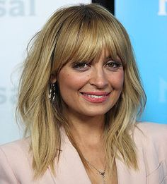Nicole Richie Celebrity Hairstyles, Hairstyles With Bangs, Diy Beauty, Fashion Beauty, Nicole Richie, Kate Beckinsale, Fringes, Afro, Boho Chic