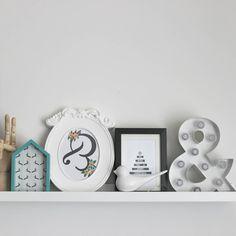 """""""Seguimos con la decoraciòn de navidad y con mas recursos de @acotiodeco los estamos aprovechando al máximo.feliz tarde de sábado! #sabado #decoración…"""""""