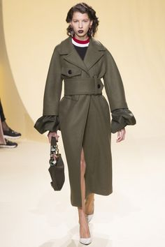 Milan Fashion Week - Marni Fall 2016 - Green trench coat with oversize belt and feature cuffs - Ready-to-Wear Fashion Show...x