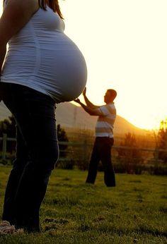 Un toque de humor para fotografiarte durante el embarazo.
