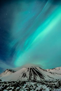 Bláfjöll (Iceland) by rmagnusson, via Flickr - amazing color variations of northern lights!
