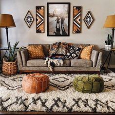 New living room wood dark rugs ideas Living Room Sofa, Living Room Warm, Rooms Home Decor, Boho Living Room, Home Decor, Room Inspiration, Apartment Decor, Room Decor, Living Decor