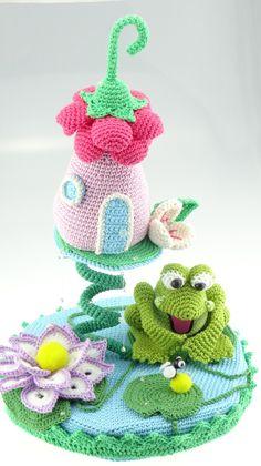Häkelanleitung für ein Hängehäuschen mit vielen Details, Wohnaccessoire häkeln / crochet a cute home decor accessory, diy tutorial made by Colita via DaWanda.com