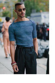 New York Fashion Week street style. Queer Fashion, Fashion News, Fashion Outfits, Mode Masculine, Mens Long Cardigan, Streetwear, Best Mens Fashion, Minimal Fashion, Models