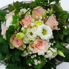 #kukkakimppu #ruusu #valkoinen #vaaleanpunainen #muratti #liisako #vanhat tavarat