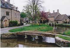 Villages in Cornwall England | The Cotswold area is full of pretty villages. They're also over run ...