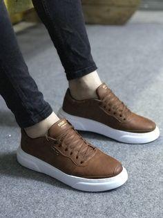 Polo Shoes, All Nike Shoes, Tan Shoes Men, Casual Shoes, Mens Fashion Shoes, Sneakers Fashion, Gents Shoes, Mode Man, Tenis Casual