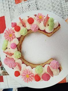 Découvrez les recettes, les conseils et les photos pour réaliser votre Number Cake ou Letter Cake. A la framboise, au chocolat, au citron, aux fruits rouges, pour un anniversaire, pour la Saint Valentin ou encore pour un baptême, découvrez les gâteaux en chiffre ou en lettres des lecteurs avec leurs conseils