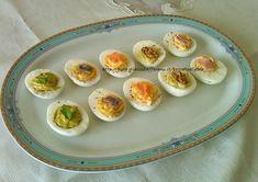 Uova festaiole è un modo tutto nuovo per presentare le uova sode se volete stupire i vostri commensali. Idee per party e aperitivi Mani, Antipasto, Frittata, Crepes, Finger Foods, Buffet, Side Dishes, Eggs, Vegetables