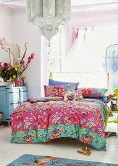 Colorful bedroom with pink and green