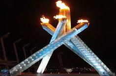 (Kuvassa olympiatuli Vancouverista vuodelta 2010) Olympiatulen historia juontaa juurensa antiikin Kreikasta ajalta, jolloin Prometheus varasti tulen Zeukselta. Eräissä antiikin Kreikan olympialaisissa tulta pidettiin yllä koko olympialaisten ajan. Tuli tuotiin takaisin olympialaisiin Amsterdamissa vuonna 1928 ja siitä eteenpäin se on säilynyt perinteenä.