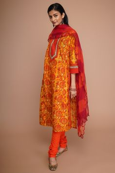 Indian Suits, Indian Dresses, Indian Wear, Women's Clothes, Clothes For Women, Indian Fashion, Women's Fashion, Work Dresses, Indian Designer Wear