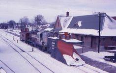 CP RS18 8732 at Havelock