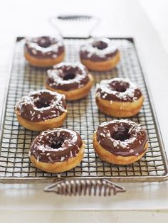 Opt for the cake doughnuts at home, because they can be baked in the oven.