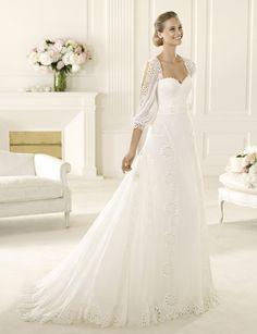 Manuel Mota 2013 Bridal Collection   My Dress of the Week | bellethemagazine.com