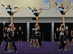 Cheerleading UQAM scale, stunt, Cheer, university, blue, white, compétition, coed