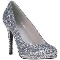 STUART WEITZMAN EVENING Glitswoon Pump Silver Glitter ($365) ❤ liked on Polyvore