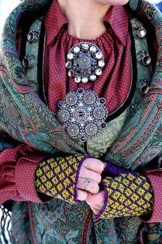 Stakk og liv from Telemark, with beautiful handmade jewellery.Bergtatt Gull og Sølvsmie