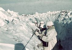 World War II. German troops on the Russian front line during winter (Russia). Ca. 1942. Pin by Paolo Marzioli