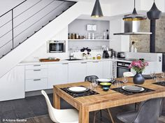 46 ideas apartment kitchen layout loft for 2019 Kitchen Dinning, New Kitchen, Loft Kitchen, Kitchen Wood, Home Interior, Kitchen Interior, Interior Design, Kitchen Under Stairs, Stair Layout