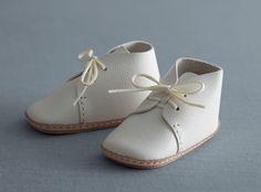 my first baby shoes nico ホワイト  http://www.iichi.com/listing/item/149631