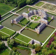 Nordkirchen Castle - the Versailles of Westphalia - Nordkirche, Germany. Watch > http://destinations-for-travelers.blogspot.com.br/2015/09/schloss-nordkirchen-castle-germany-alemanha.html