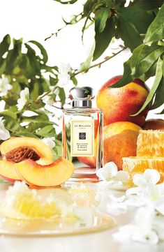 Jo Malone Nectarine Blossom and Honey Cologne: Youthful, fruity, and sweet as honey. #HoneyHipNote
