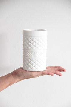 Minka, Apartment Kitchen, Kitchen Design, Interior Decorating, Ceramics, Tableware, Chile, Vases, Blog