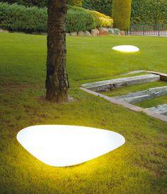 Light outdoor eclairage exterieur jardin on pinterest for Eclairage led exterieur jardin