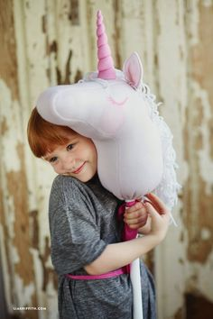13 Magical Unicorn Crafts to Make Party Unicorn, Unicorn Birthday Parties, Sister Birthday, Hobbies For Girls, Stick Horses, Horse Pattern, Unicorn Crafts, Hobby Horse, Fabric Toys