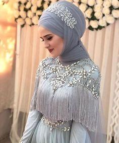 Hijab is elegant Muslim outerwear that will add breathtaking charm on your modern wearing. Hijab can Muslim Wedding Gown, Muslim Wedding Dresses, Wedding Hijab, Muslim Dress, Muslim Brides, Muslim Girls, Muslim Couples, Chic Wedding, Perfect Wedding