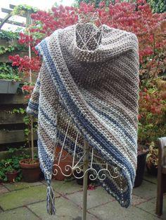 KODI gehaakte dekens enzo.: Vrouwen omslagdoeken e.a. schouderwarmers