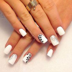 animal print and white nail art | @riyathai87