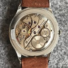 REPOST!!! #wristwatch#chronograph#vintagewatch#watchuseek#hodinkee#todayswatch#affordablewatches#ablogtowatch#watchporn#watchoftheday#picoftheday#watchesofinstagram#vintagewatch#vintagewatches#lovewatches#watch#watches#pictureoftheday#friends#family#cigarlounge#cigars#cigarlover#panerai#rolex#patekphilippe#girardperregaux repost | credit: ID @d_horlogerie (Instagram)