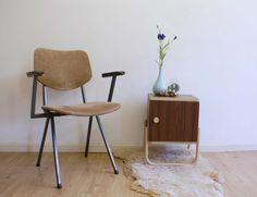 Toffe vintage stoel met armlegger. Industriële/retro stoel | Kekke meubels: | Flat Sheep