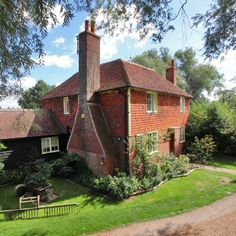 The Darling Buds of May farm is up for sale – and we think it's 'perfick'. This quintessential Kentish farmstead has become one of the most iconic farmhouses of a generation. But how much is it selling for? Take a look. Darling Buds Of May, May House, Only Fools And Horses, English Country Cottages, Highland Homes, English House, Interesting Buildings, Exterior Paint Colors, Farmhouse Homes
