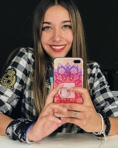 Maria B, Wattpad, Weed, Makeup, Famous Youtubers, Children Wallpaper, Make Up, Face Makeup, Diy Makeup