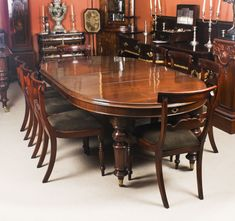 A fabulous dining set comprising an antique Victorian mahogany oval extending dining table with a set of 8 bespoke Regency style mahogany dining chairs. - Dining Set - Ideas of Dining Set Dinning Table Design, Buy Dining Table, Mahogany Dining Table, Wooden Dining Tables, Dining Table Chairs, Patio Chairs, Dining Furniture, Dining Set, High Chairs