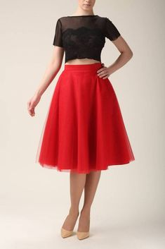 The tulle skirt is perfect for assortment to various outfits, creating a special occasion outfit that you can hardly even equal. Red Skirts, Casual Skirts, Tulle Skirts, Blue Tulle Skirt, Blue Maxi, Midi Skirt With Pockets, Evening Skirts, Party Skirt, High Waisted Skirt