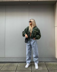 Likes, 145 Comments - Kim Duong Classy Winter Outfits, Casual Fall Outfits, Retro Outfits, Trendy Outfits, Vintage Outfits, Cute Outfits, Urban Style Outfits, Tomboy Fashion, Streetwear Fashion