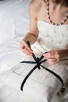 Incredibly soft bed linens of exceptional quality, made with integrity by the world's best factories in Portugal, at a price you can afford. Modern Bed Sheets, Dinosaur Toddler Bedding, King Sheets, Bedroom Plants, Luxury Bedding Sets, Kylie Minogue, Linen Bedding, Bed Linens, Duvet Cover Sets