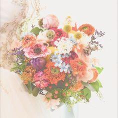 「*colorful bouquet* ・ ・ フルオーダーメイドでつくる オリジナルのブーケ。 ・…」カラフル colorful bouquet